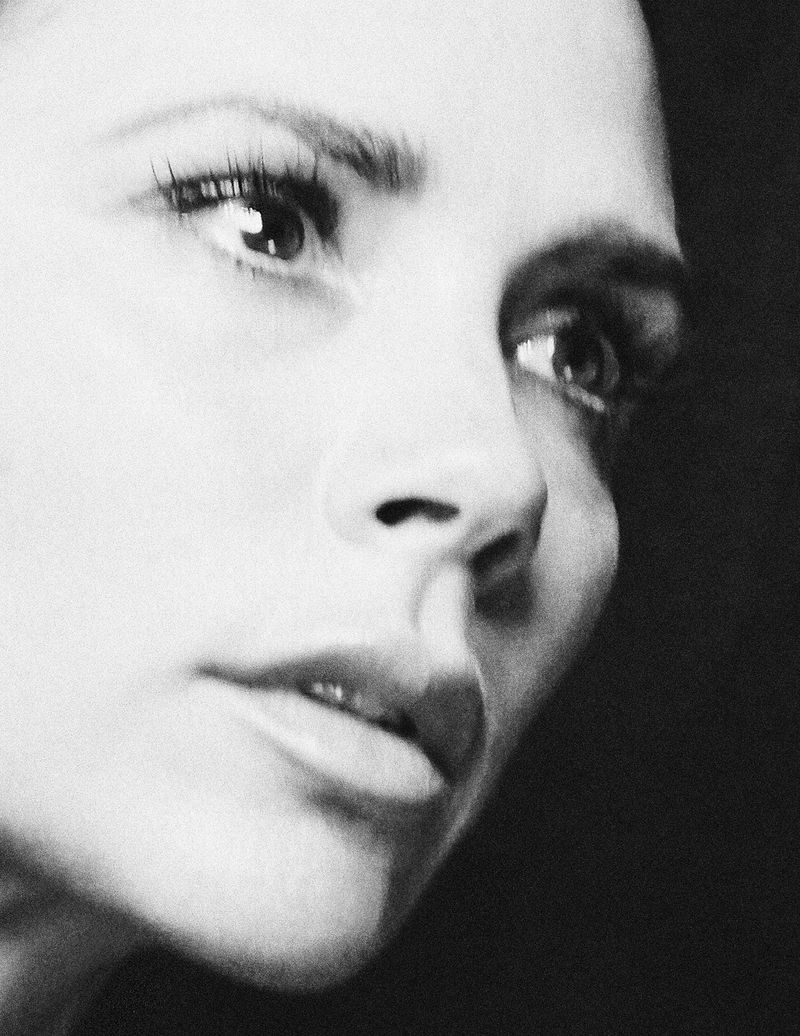 Victoria Beckham by Chris Colls for Vogue Germany August (9).jpg