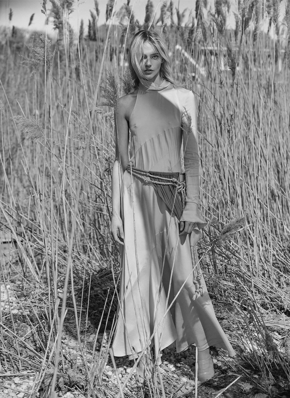 Sasha Pivovarova by Alique in Vogue Greece May 2019 (5).jpg