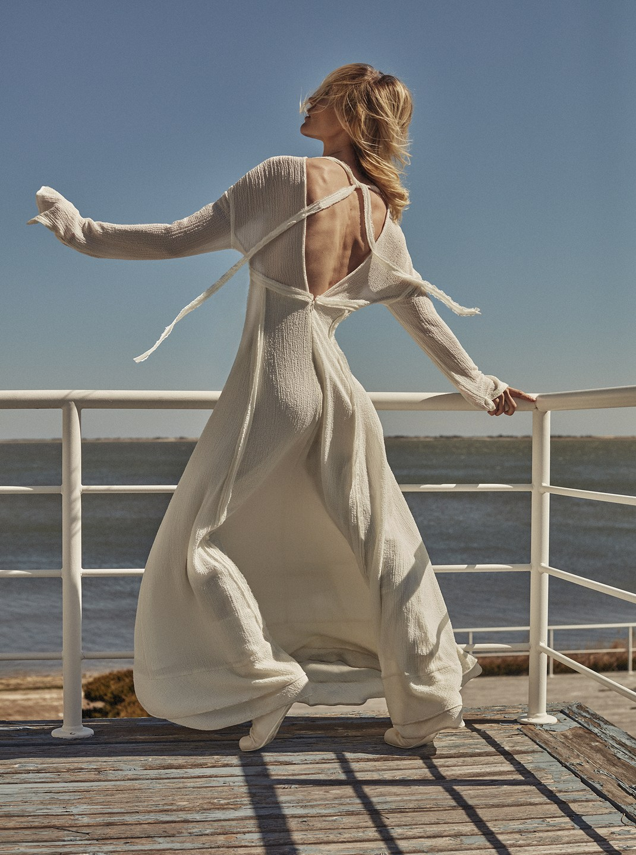 Sasha Pivovarova by Alique in Vogue Greece May 2019 (11).jpg