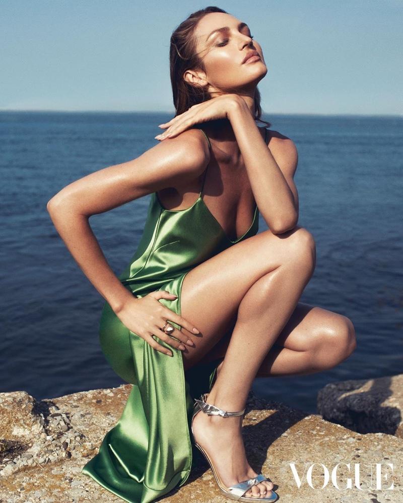 Candice-Swanepoel-Adam-Franzino- Vogue-Hong-Kong (4).jpg