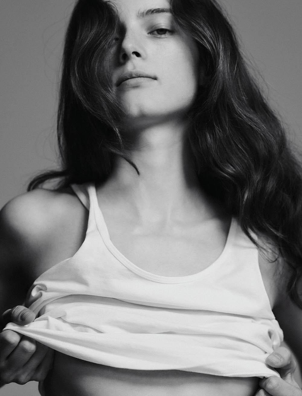 Anna-de-Rijk-by-Chris-Colls--Lui-Magazine-Summer-2019- (2).jpg