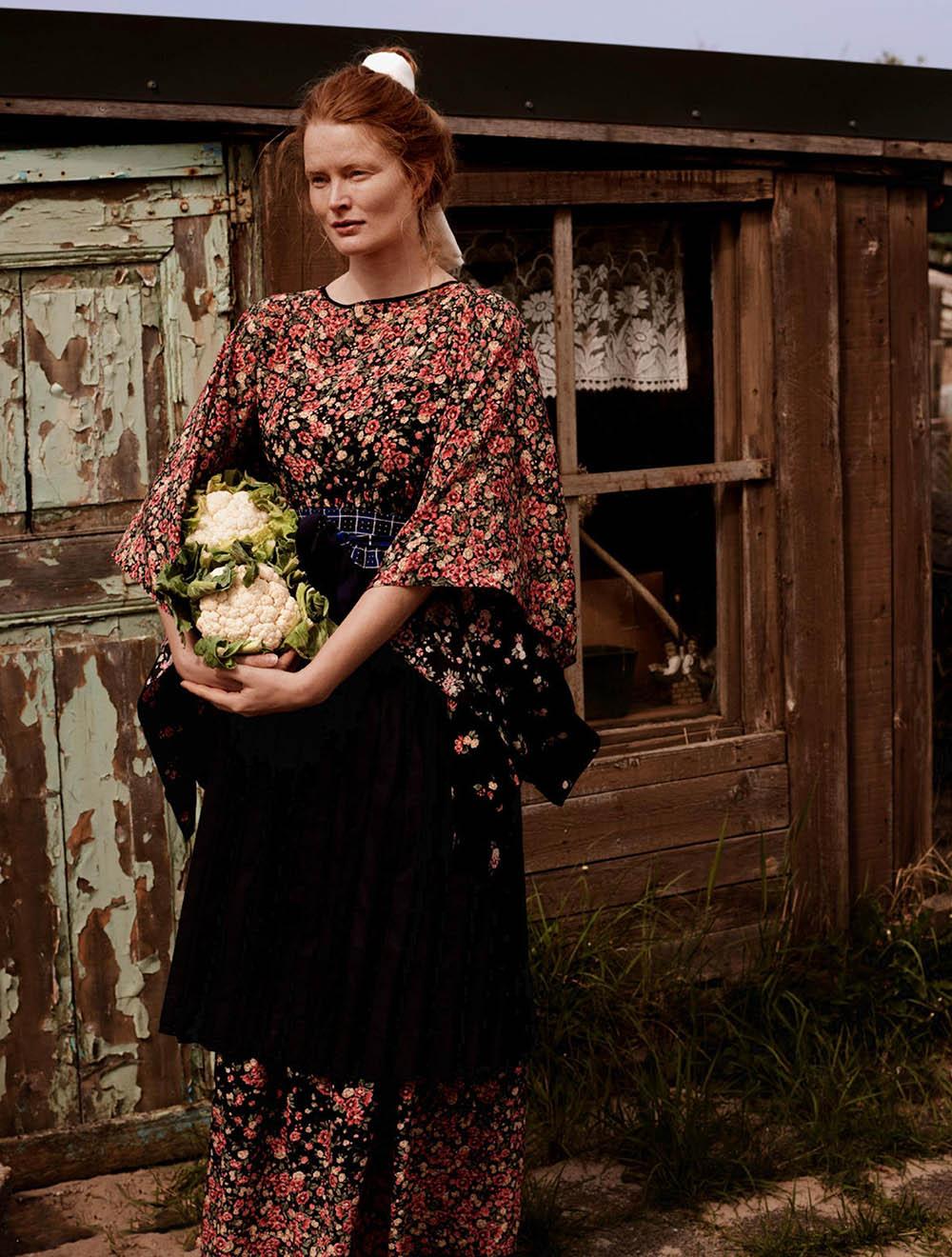 Marte-Boneschansker-by-Paul-Bellaart-for-Vogue-Netherlands-July-August-2019-6.jpg