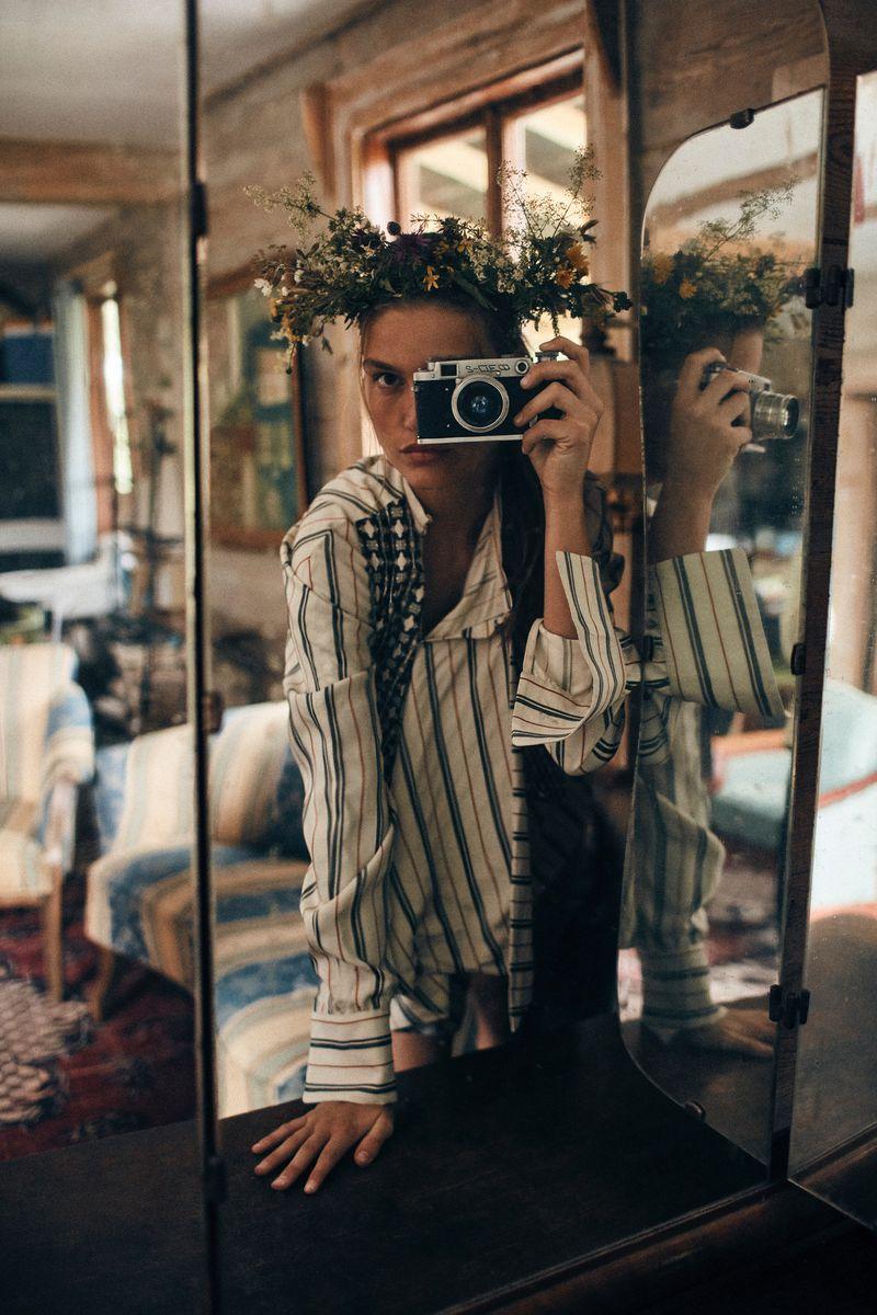 Luna-Bijl by Sonia Szostak for Vogue Poland Sept 2019 (12).jpg