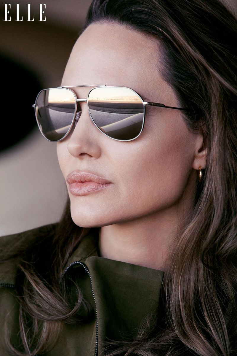 Angelina Jolie by Alexi Lubomirski for ELLE US Sept 2019 (5).jpg