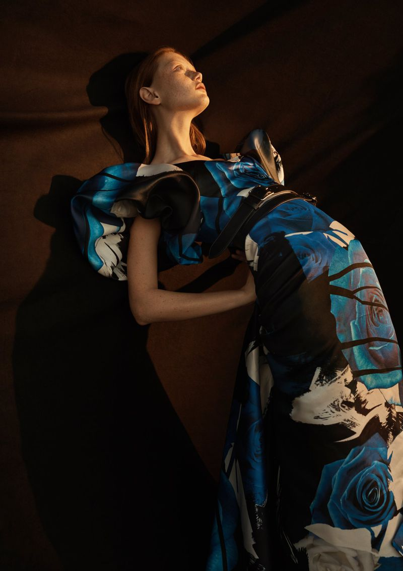 Sara Grace Wallerstedt by Emma Tempest for Vogue Russia Sept 2019 (1).jpg