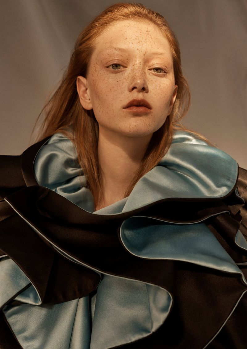 Sara Grace Wallerstedt by Emma Tempest for Vogue Russia Sept 2019 (2).jpg