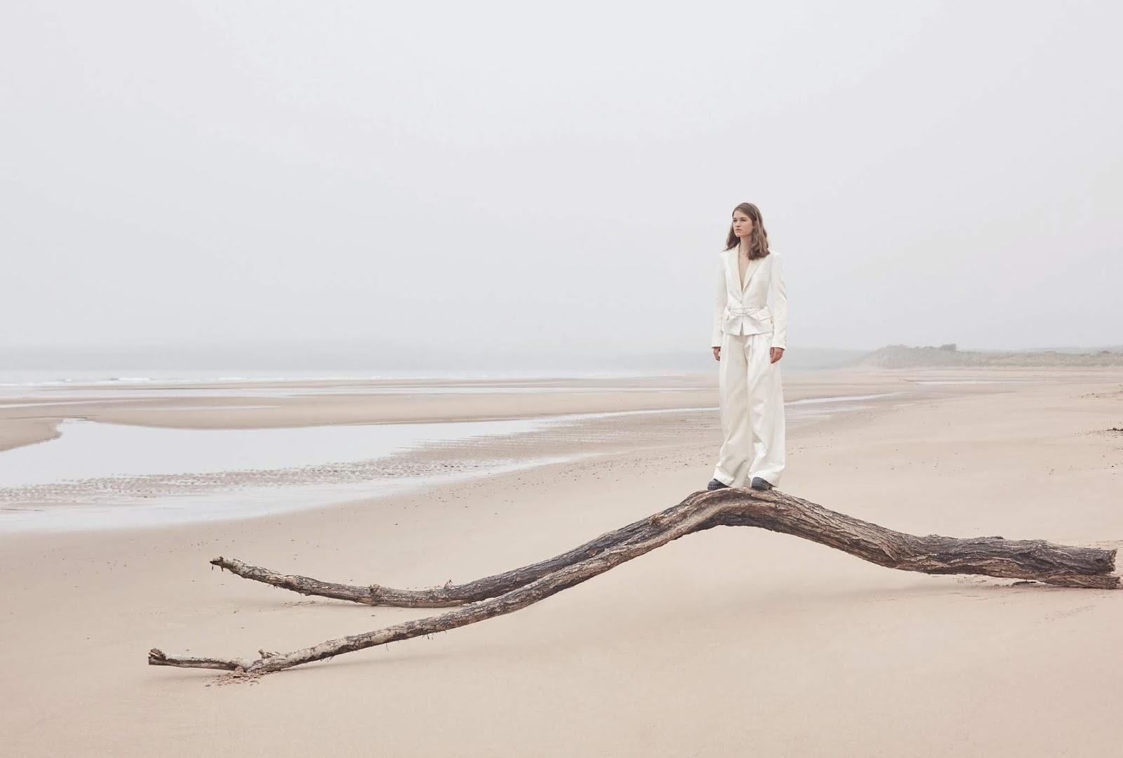 Femke Huijzer by Agata Pospieszynska for Harpers Bazaar UK September 2019  (2).jpg