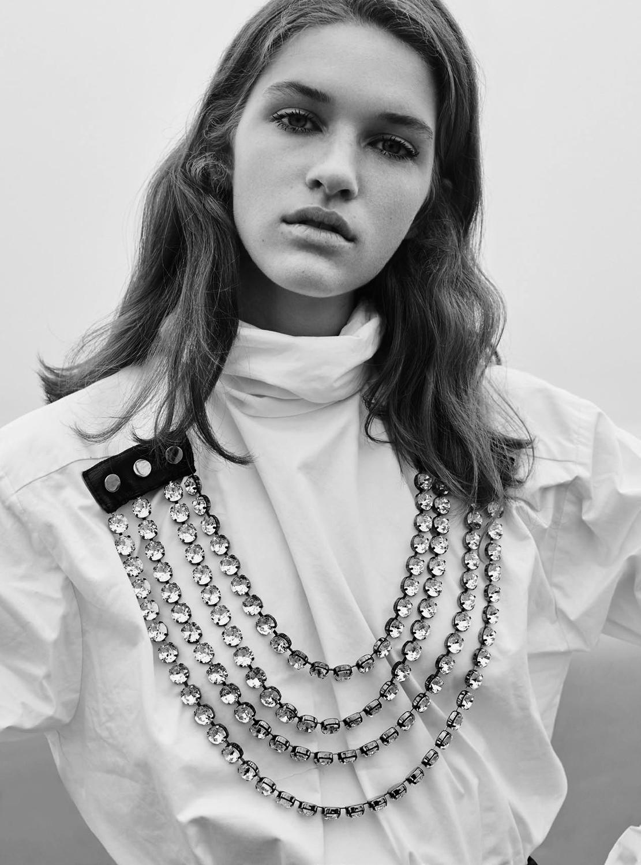 Femke Huijzer by Agata Pospieszynska for Harpers Bazaar UK September 2019  (1).jpg