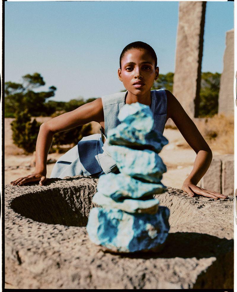 Aya Jones by Dan Beleiu for Vogue Spain Sept 2019 (5).jpg