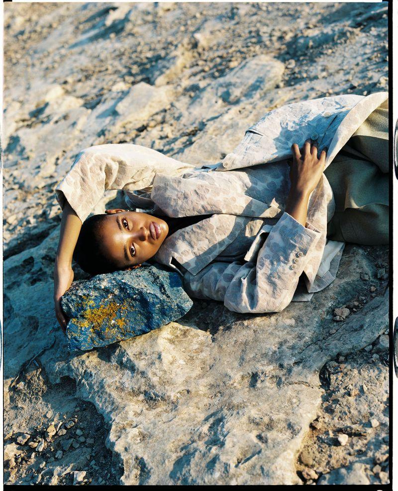 Aya Jones by Dan Beleiu for Vogue Spain Sept 2019 (9).jpg