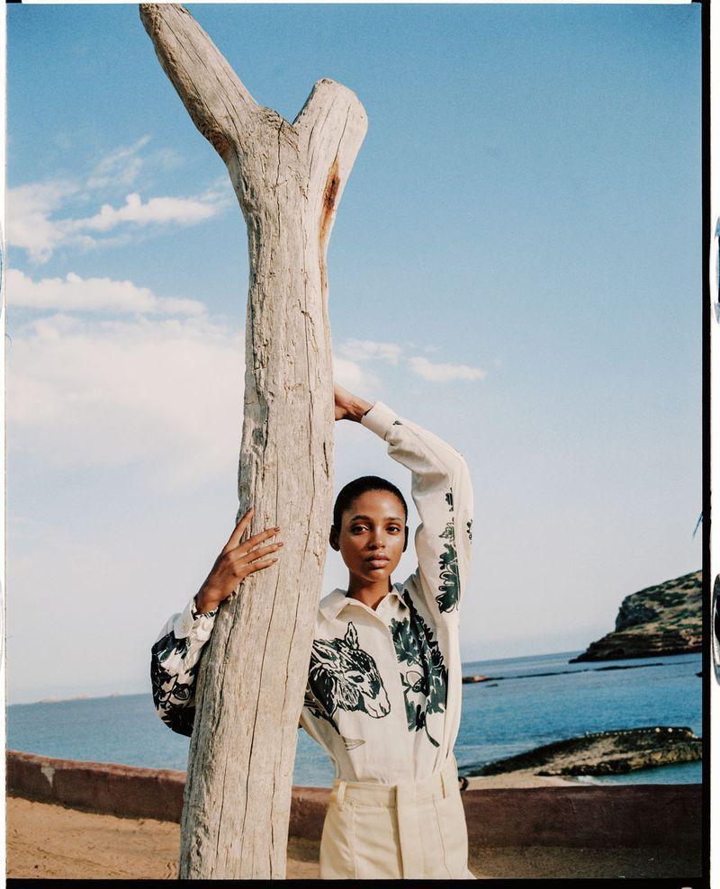 Aya Jones by Dan Beleiu for Vogue Spain Sept 2019 (11).jpg