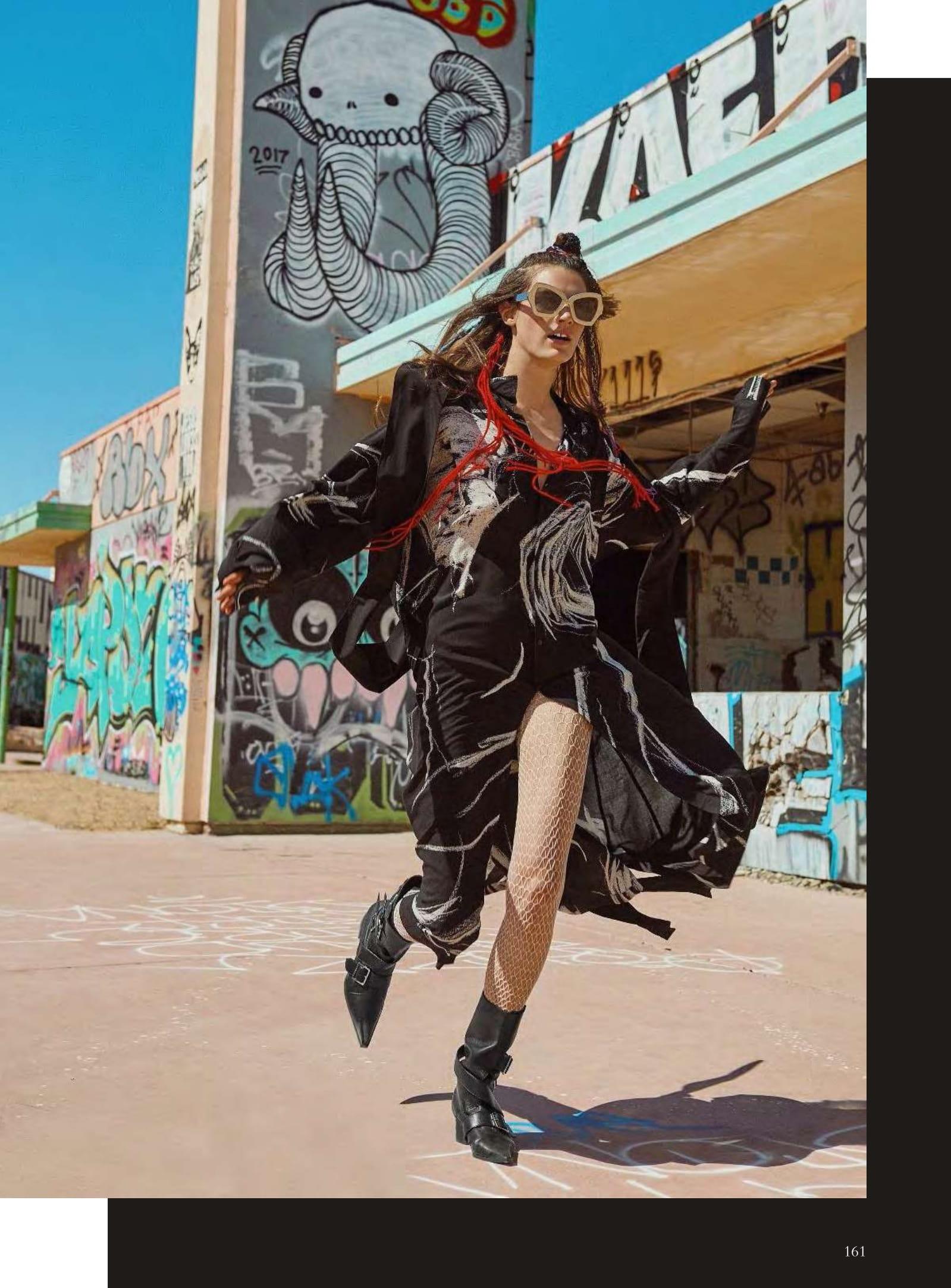 Leila Goldkuhl by Regan Cameron for Harper's Bazaar Germany September 2019 (1).jpg