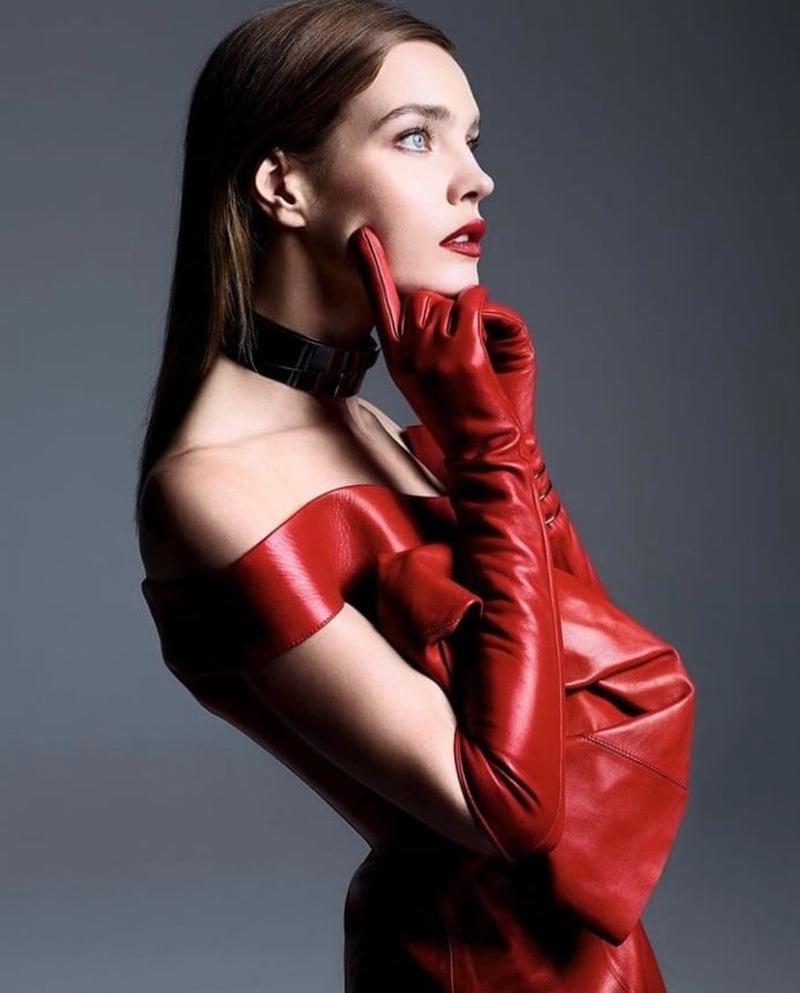 Natalia-Vodianova-Solve-Sundsbo-Vogue-China-September-2019 (9).jpg