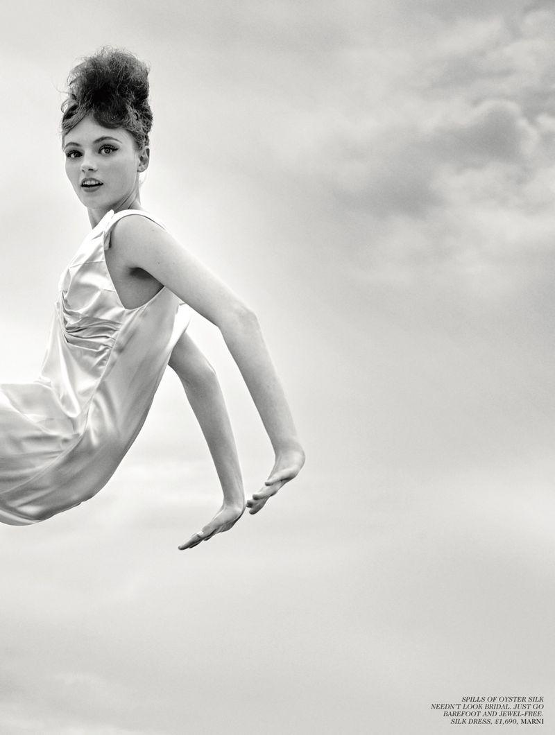 Fran Summers by Arthur Elgort for Vogue UK Sept 2019 (2).jpg