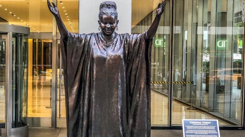 Zimbabwean scholar Tererai Trent has been immortalized in a bronze statue in New York