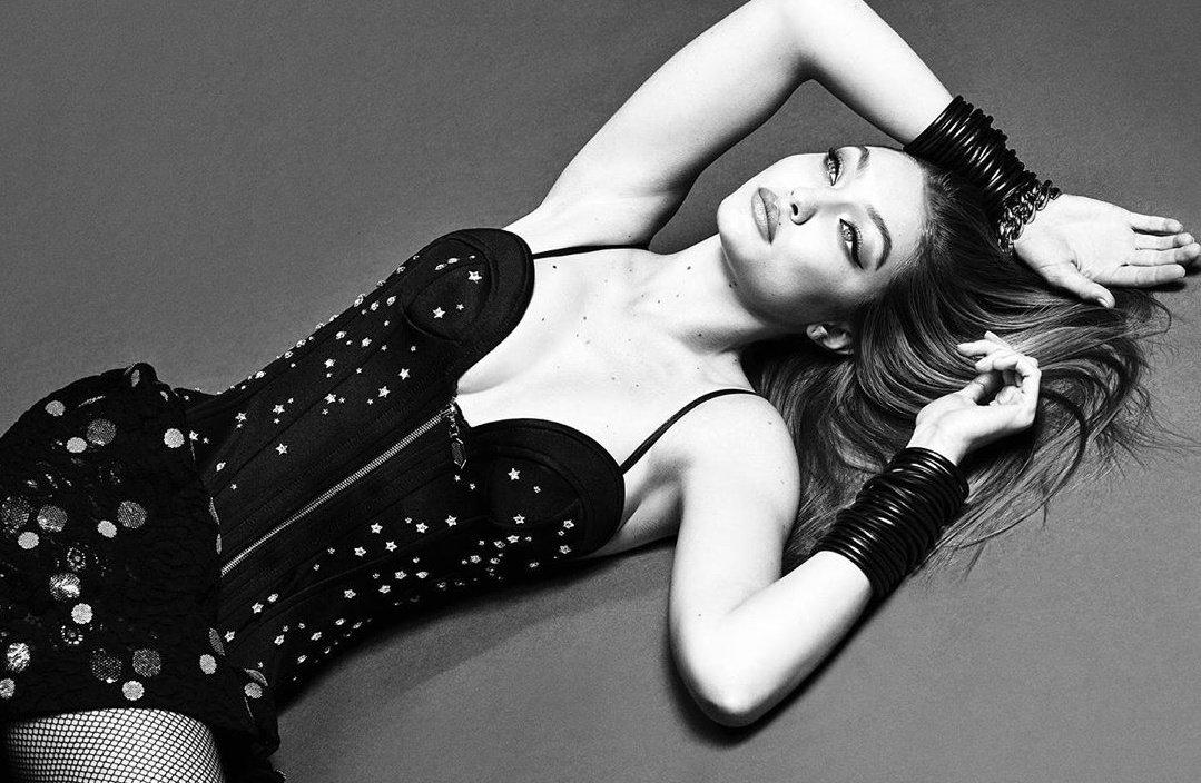 Gigi-Hadid-Luigi-Iango-Vogue-Brazil-Sept-2019 (8).jpg