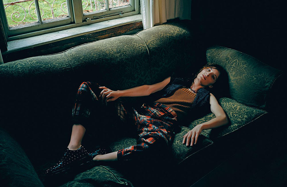 Annie-Tice-by-Paul-McLean-for-Amica-Magazine-September-2019-2.jpg