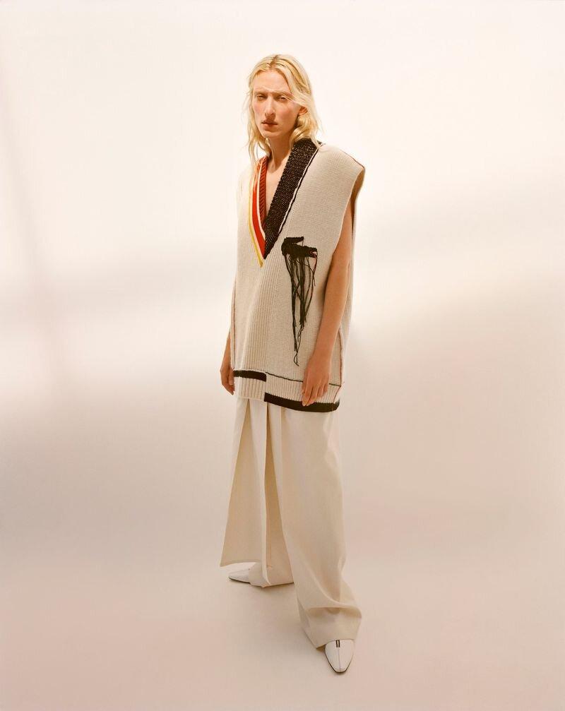 Maggie Maurer by Agata Pospieszynska for Harpers-Bazaar Spain (4).jpg
