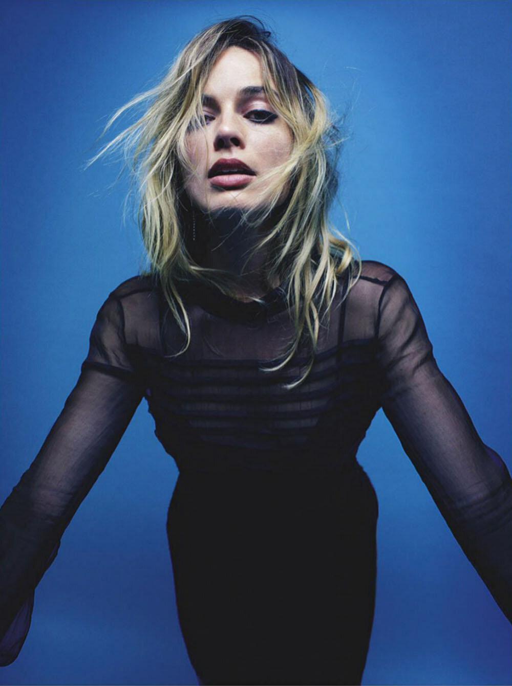 Margot-Robbie-Mario-Sorrenti-Vogue-Australia-September-2019- (7).jpg