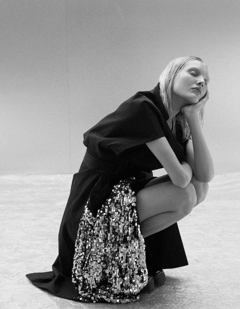 Luca-Meneghel-Vogue-Portugal-Nana-Skovgaard-20-.jpg
