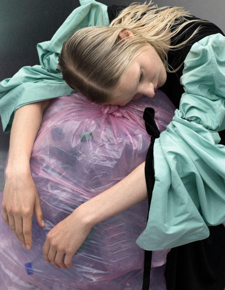 Luca-Meneghel-Nana-Skovgaard-Vogue Portugal- (9).jpg