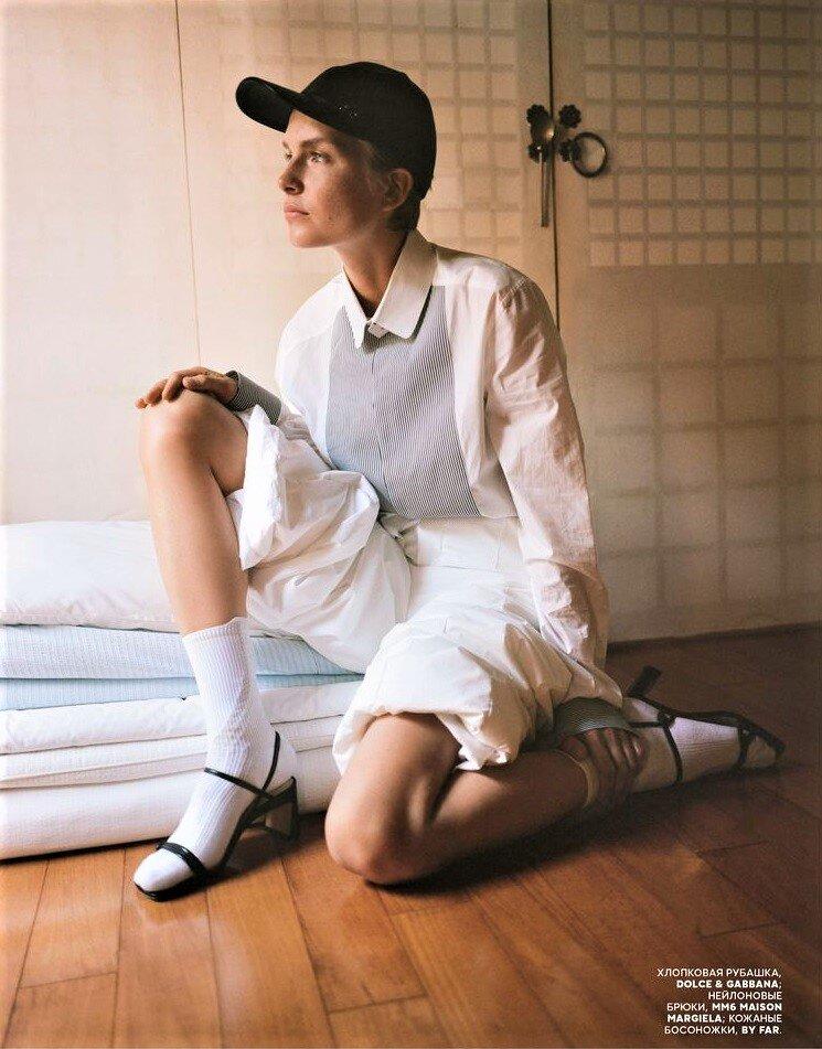 Steffi Cook by Agata Pospieszynska for Vogue Russia Oct 2019 (5).jpg