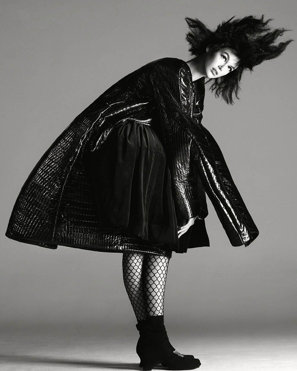 Kaia-Gerber-covers-British-Vogue-October-2019-by-Steven-Meisel-7.jpg