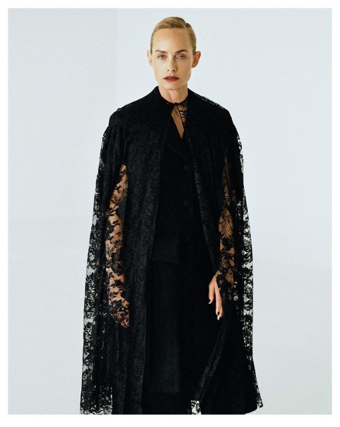 Amber-Valletta-Hyea-W-Kang-Vogue-Korea-October (1).jpg