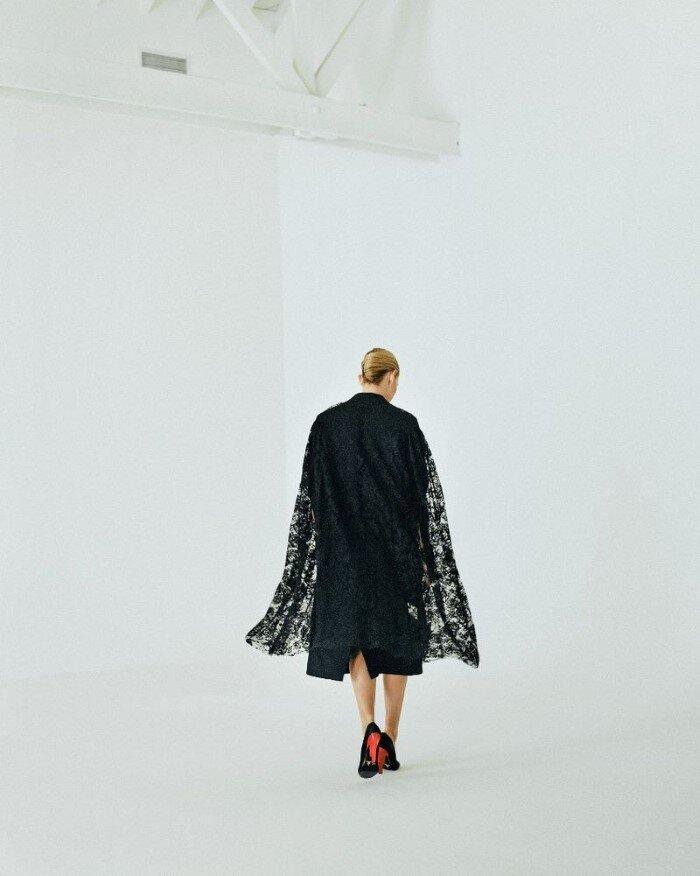 Amber-Valletta-Hyea-W-Kang-Vogue-Korea-October (11).jpg
