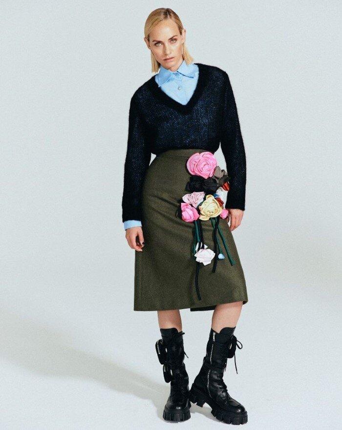 Amber-Valletta-Hyea-W-Kang-Vogue-Korea-October (8).jpg