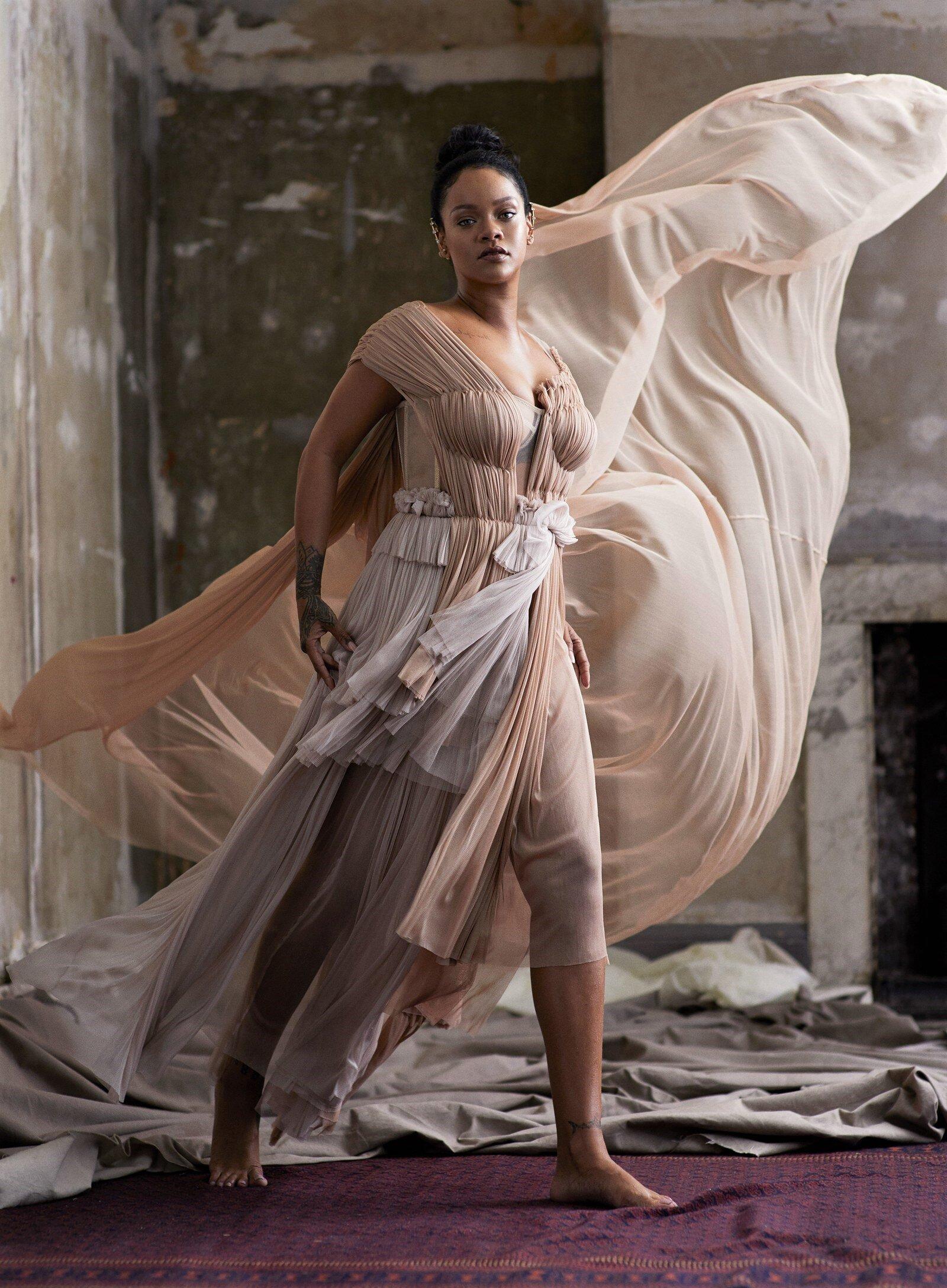 Rihanna-Ethan-James-Green-Vogue US-Nov-2019 (1).jpg