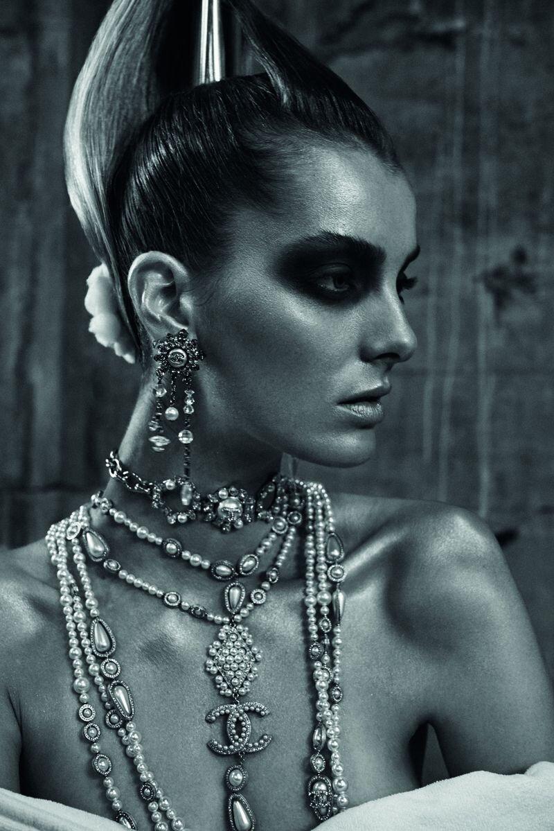 Denisa Dvorakova by Stephan Glathe for Chanel x Dry (11).jpg