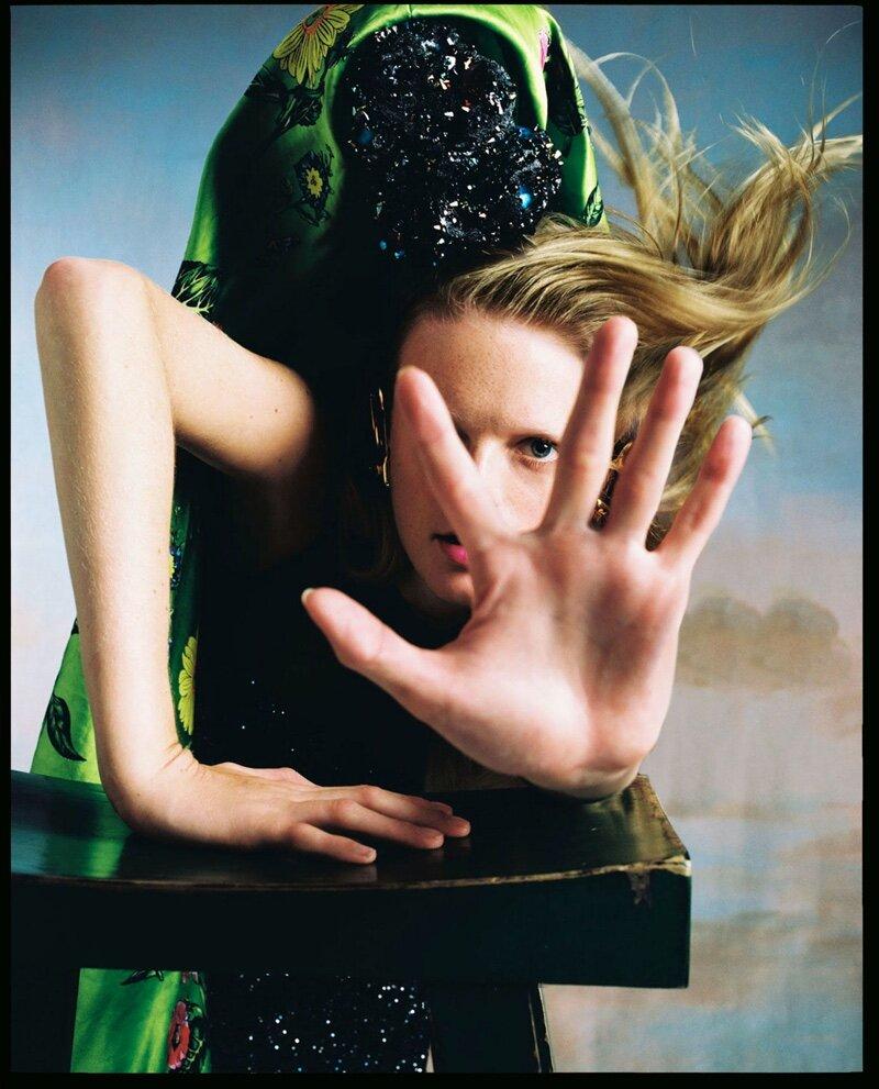 Hanne-Gaby-Odiele-Vogue-Czechoslovakia-Cover-Dan-Beleiu- (9).jpg