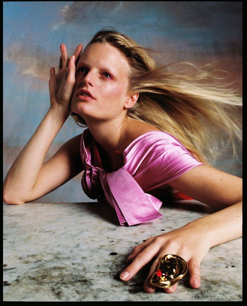 Hanne-Gaby-Odiele-Vogue-Czechoslovakia-Cover-Dan-Beleiu- (8).jpg