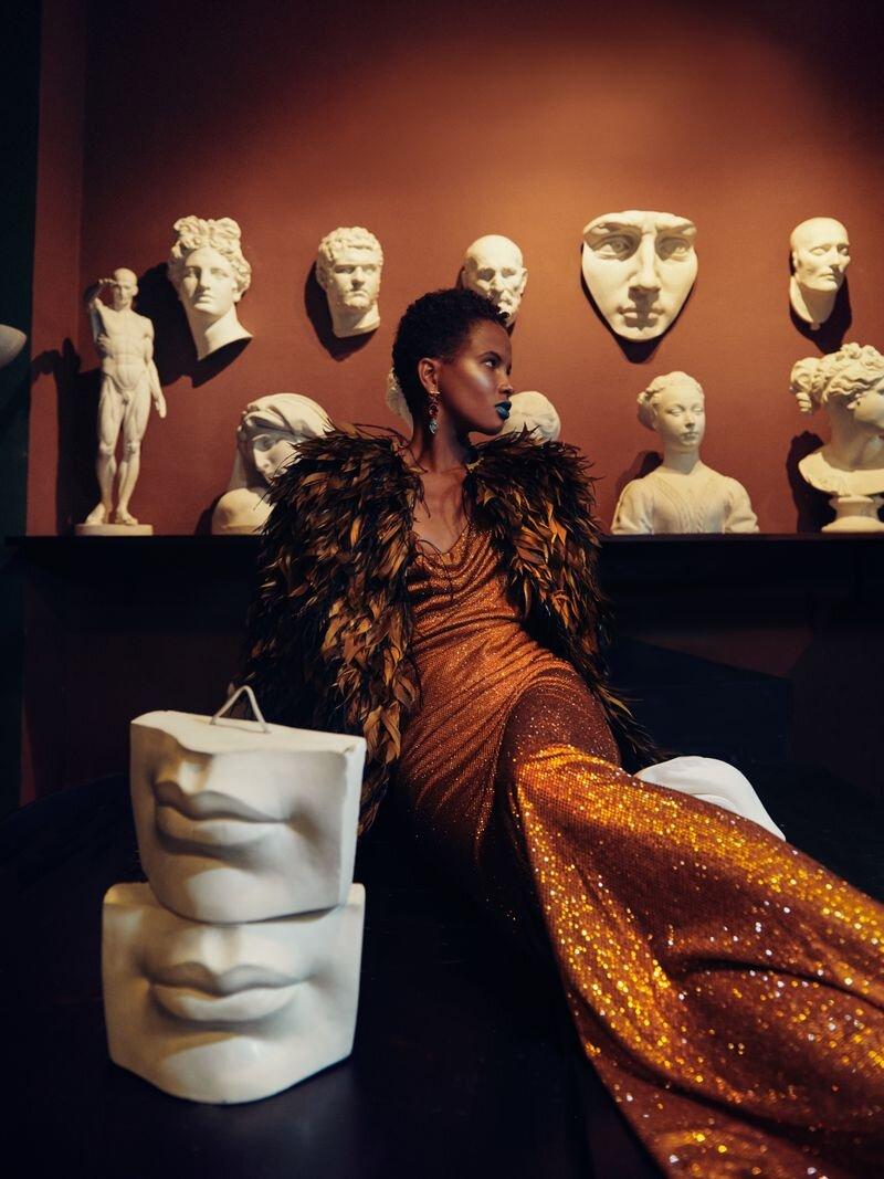 Litza Veloz by Fernando Gomez for Vogue Czech Nov 2019 (4).jpg
