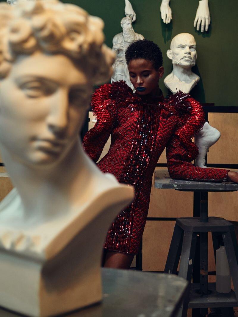 Litza Veloz by Fernando Gomez for Vogue Czech Nov 2019 (8).jpg