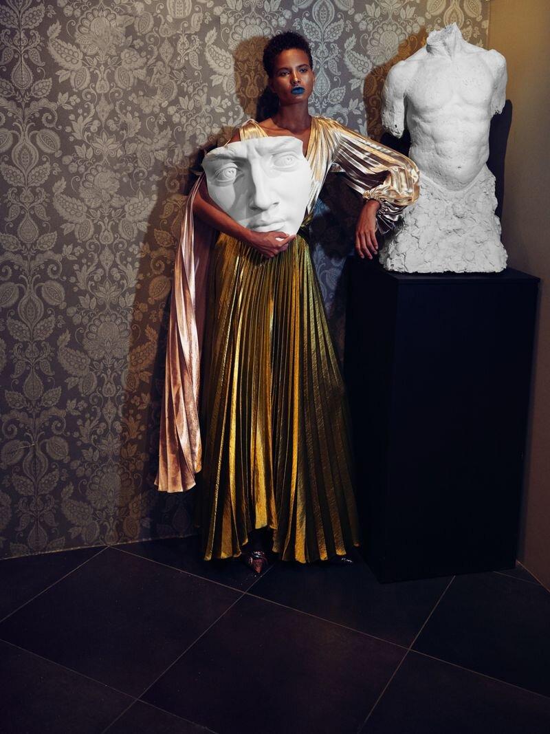 Litza Veloz by Fernando Gomez for Vogue Czech Nov 2019 (9).jpg