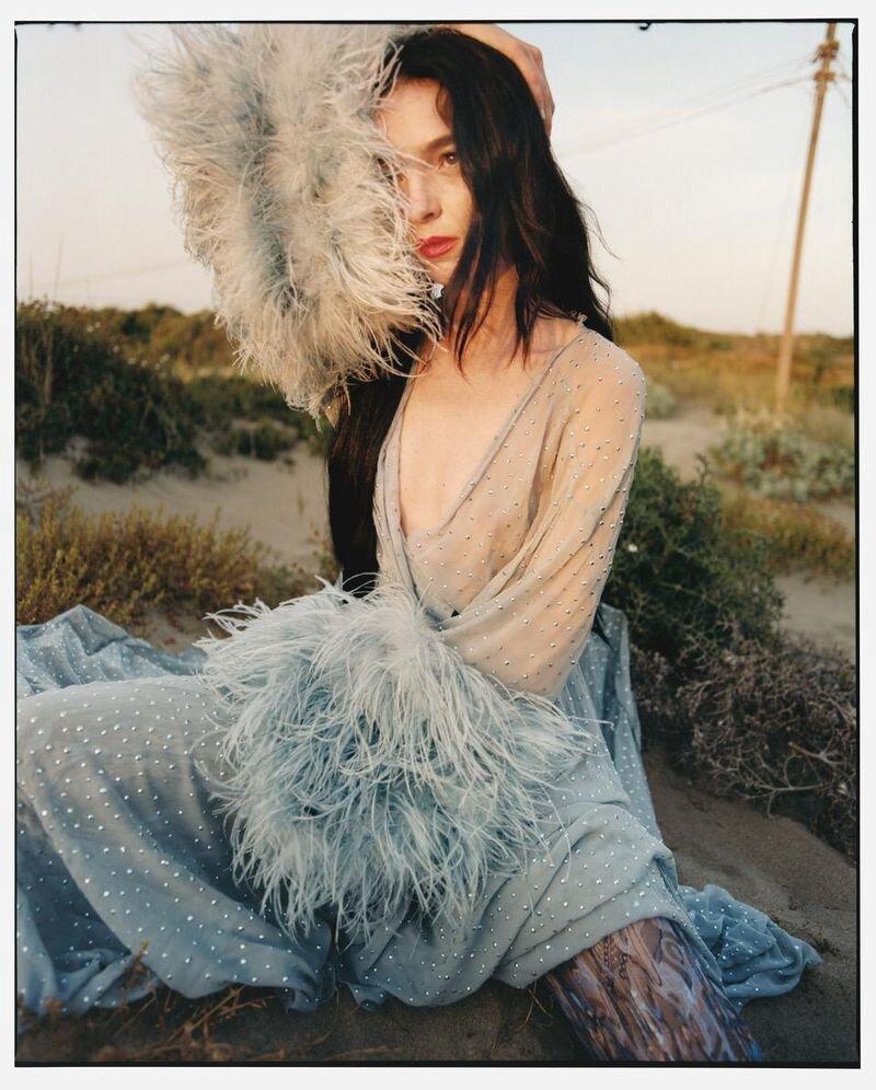 Mariacarla Boscono by Nadine Ijewere Modern Weekly China (3).jpg