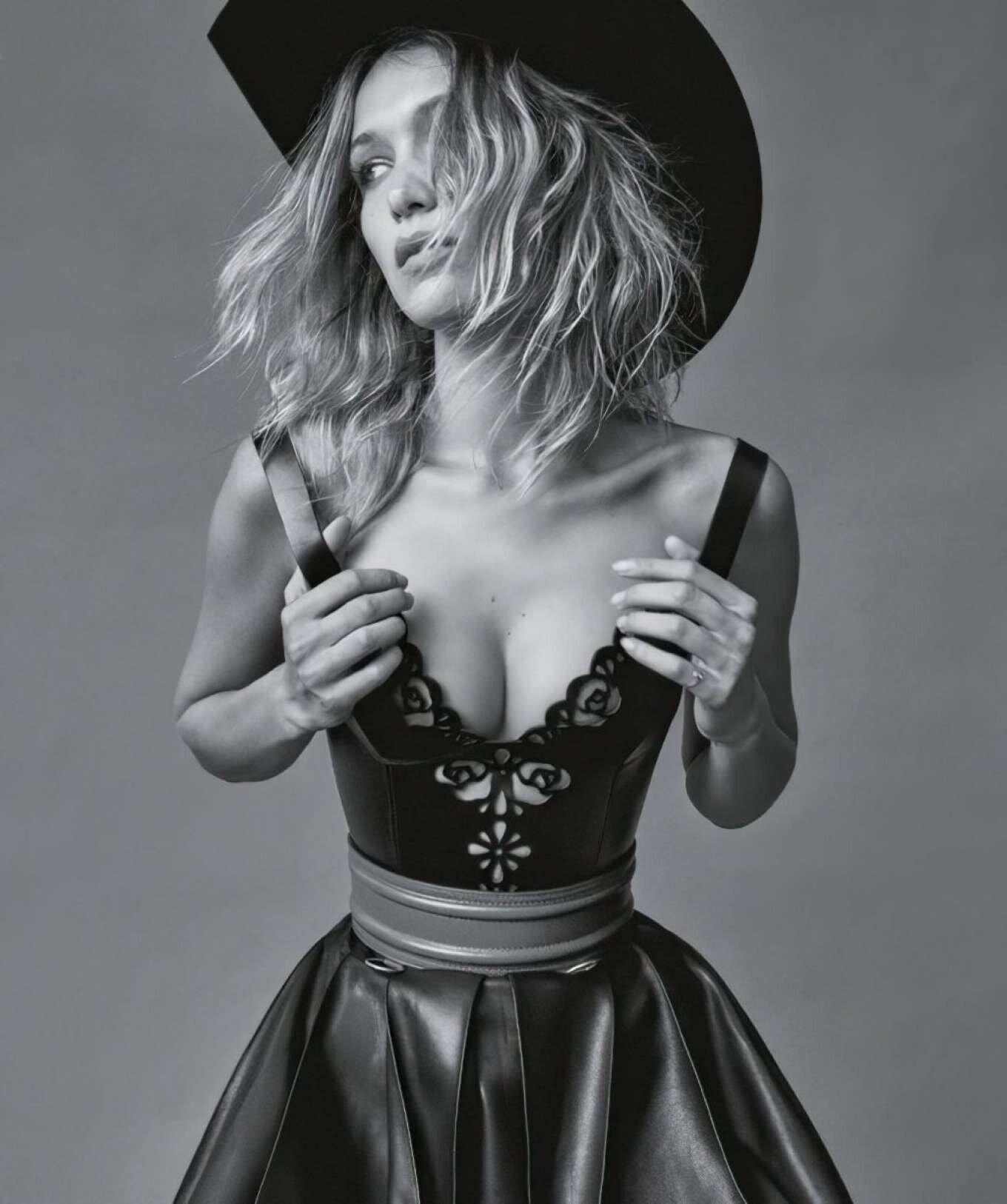 Bella Hadid in western style by Daniel Jackson for Vogue Australia (6).jpg