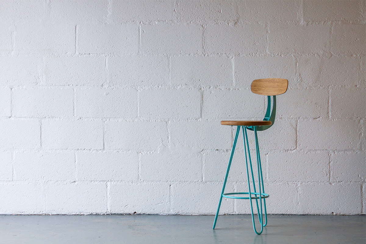 The finished product, fully assembled. We ship our hairpin leg bar chairs with the seat-top and back-rest detached and individually packaged for extra protection and to save space.