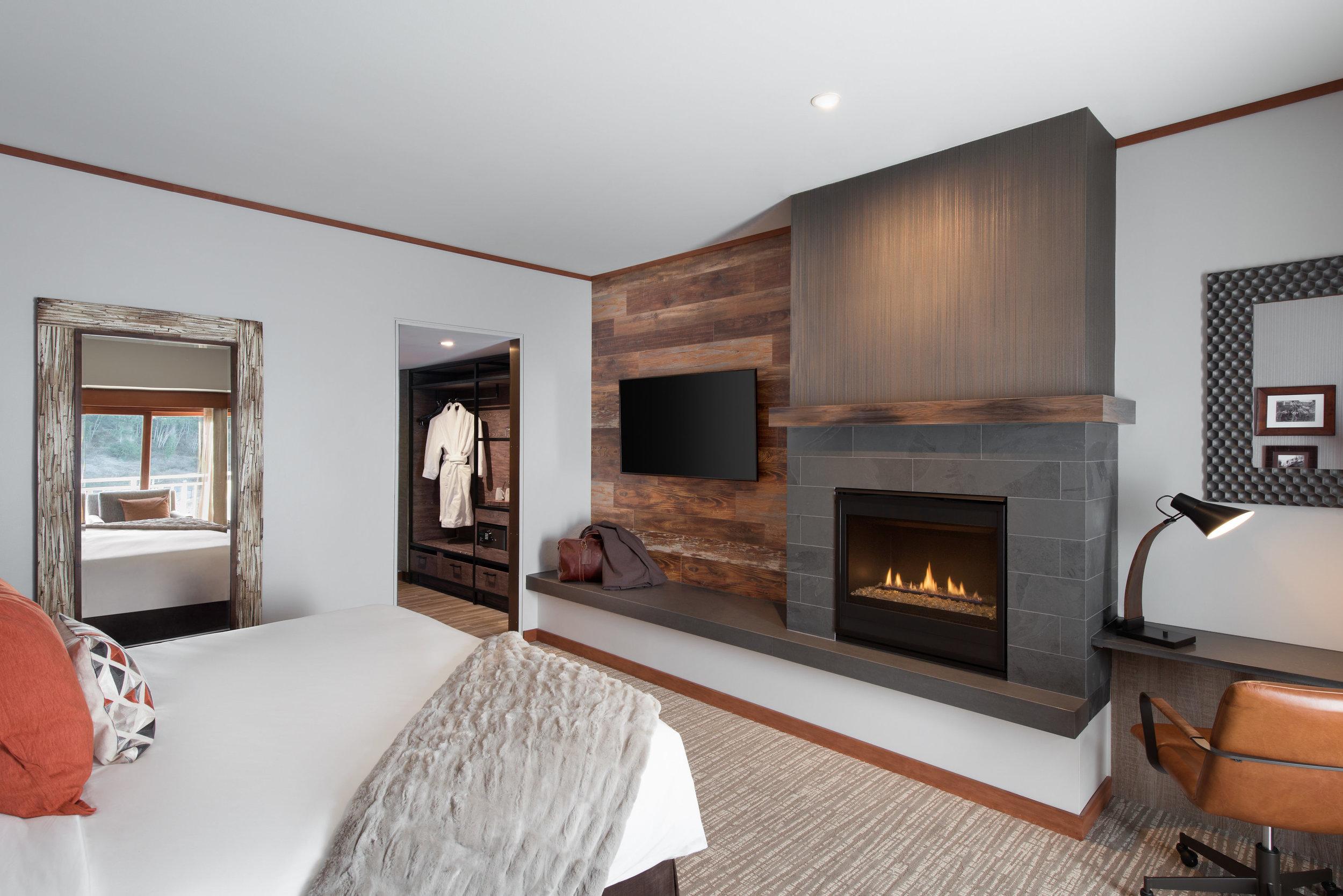 Deluxe_Guestroom_Interior View.jpg