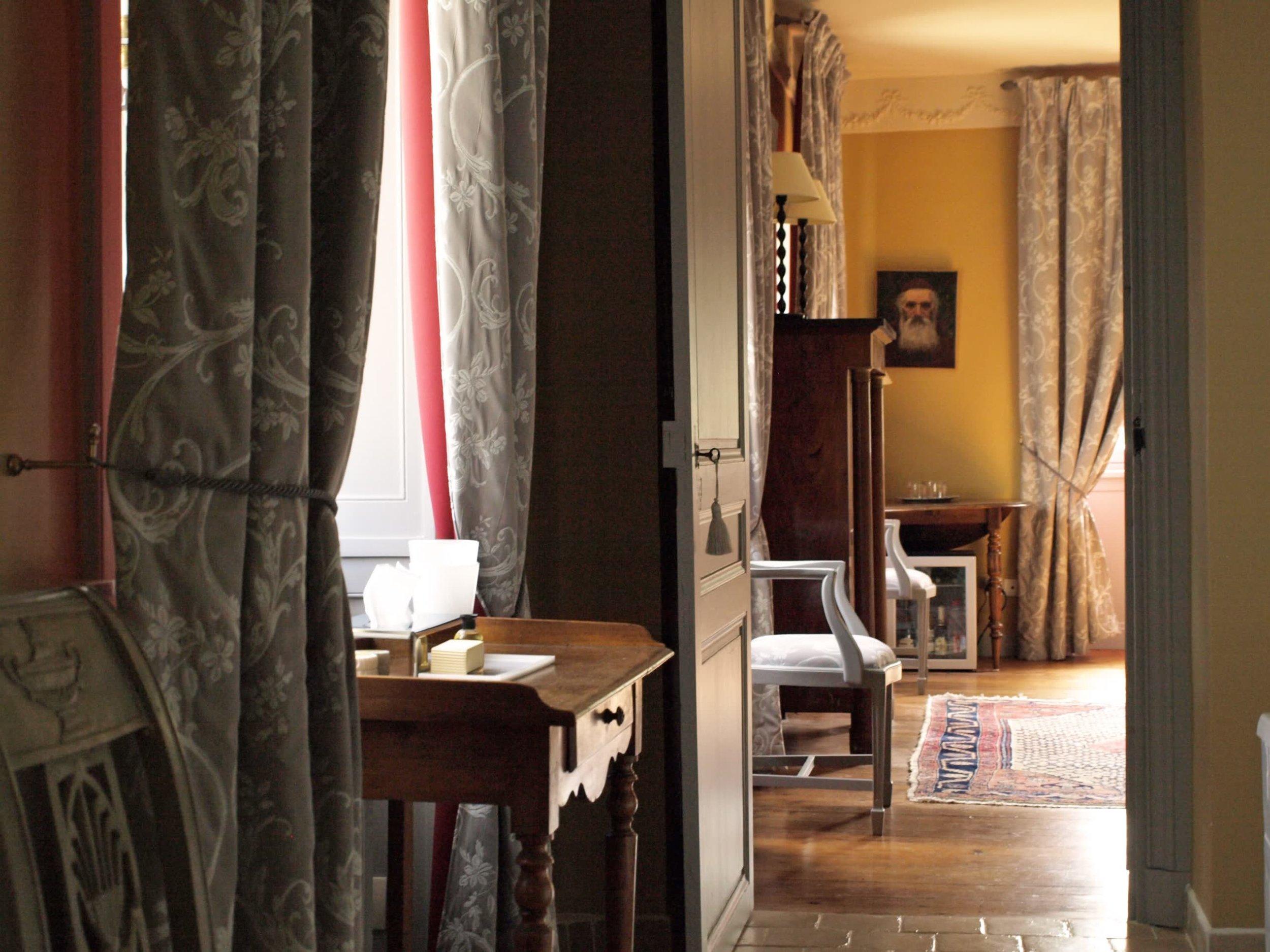 Chateau de la Pommeraye - charming boutique hotel chateau b&b spa normandy calvados bedroom Levants 3(2).jpg