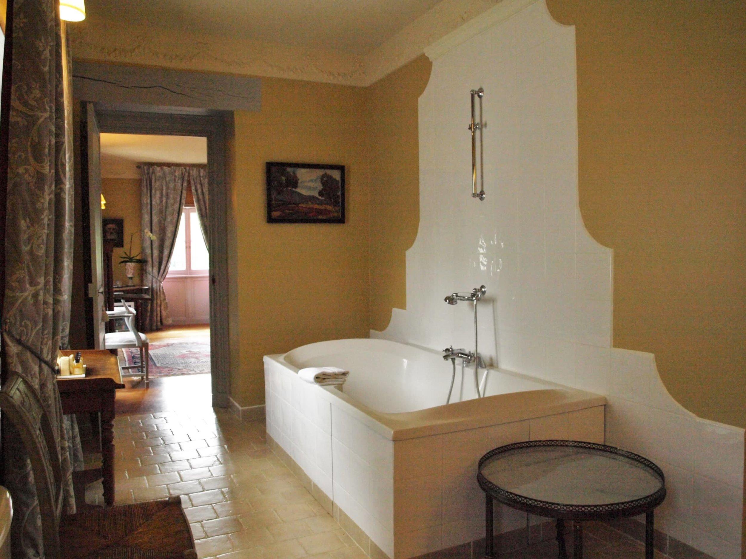 Chateau de la Pommeraye - charming boutique hotel chateau b&b spa normandy calvados bedroom Levants 2(2).jpg