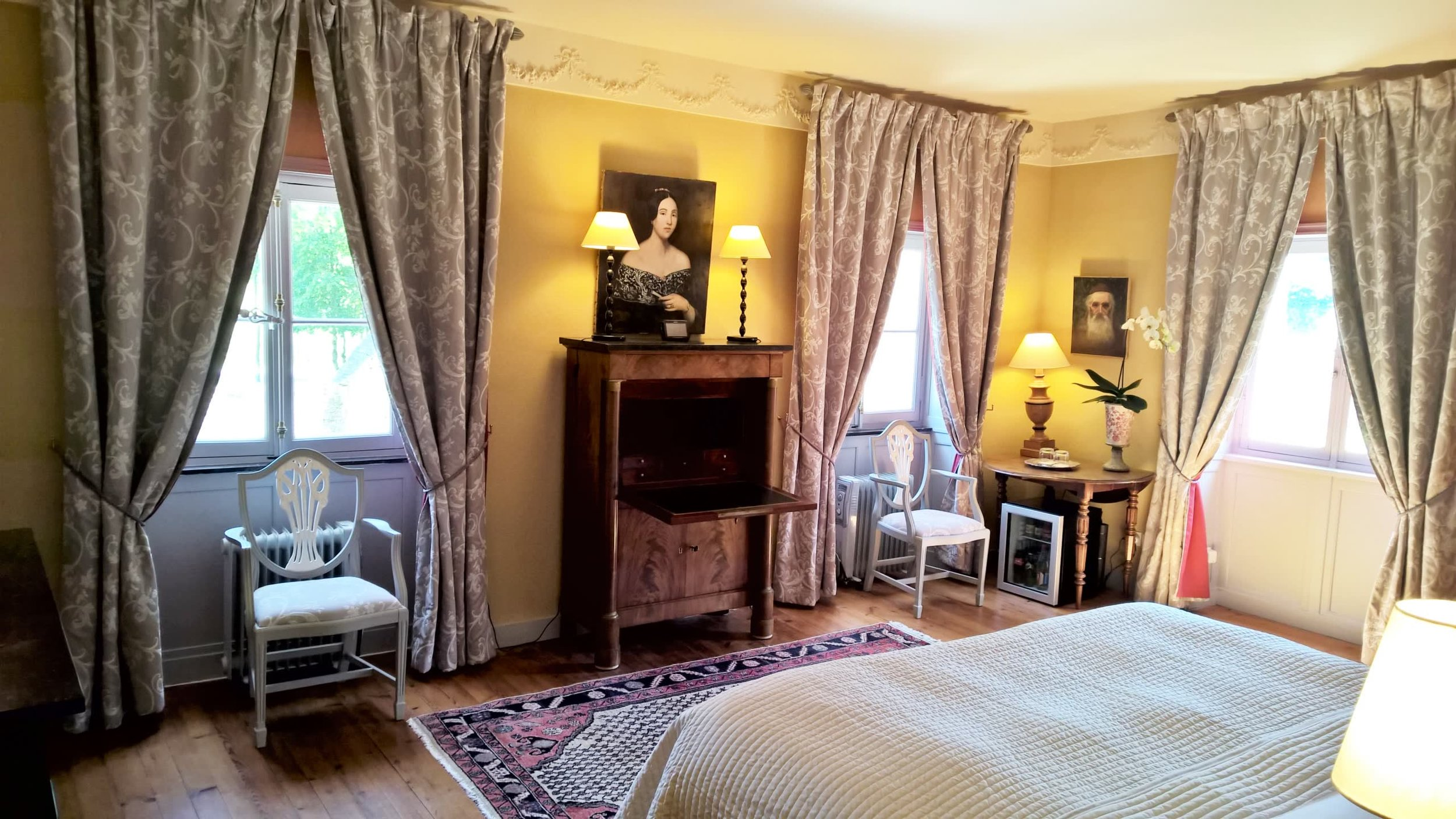 Chateau de la Pommeraye - charming boutique hotel chateau b&b spa normandy calvados bedroom Levants 5(3).jpg