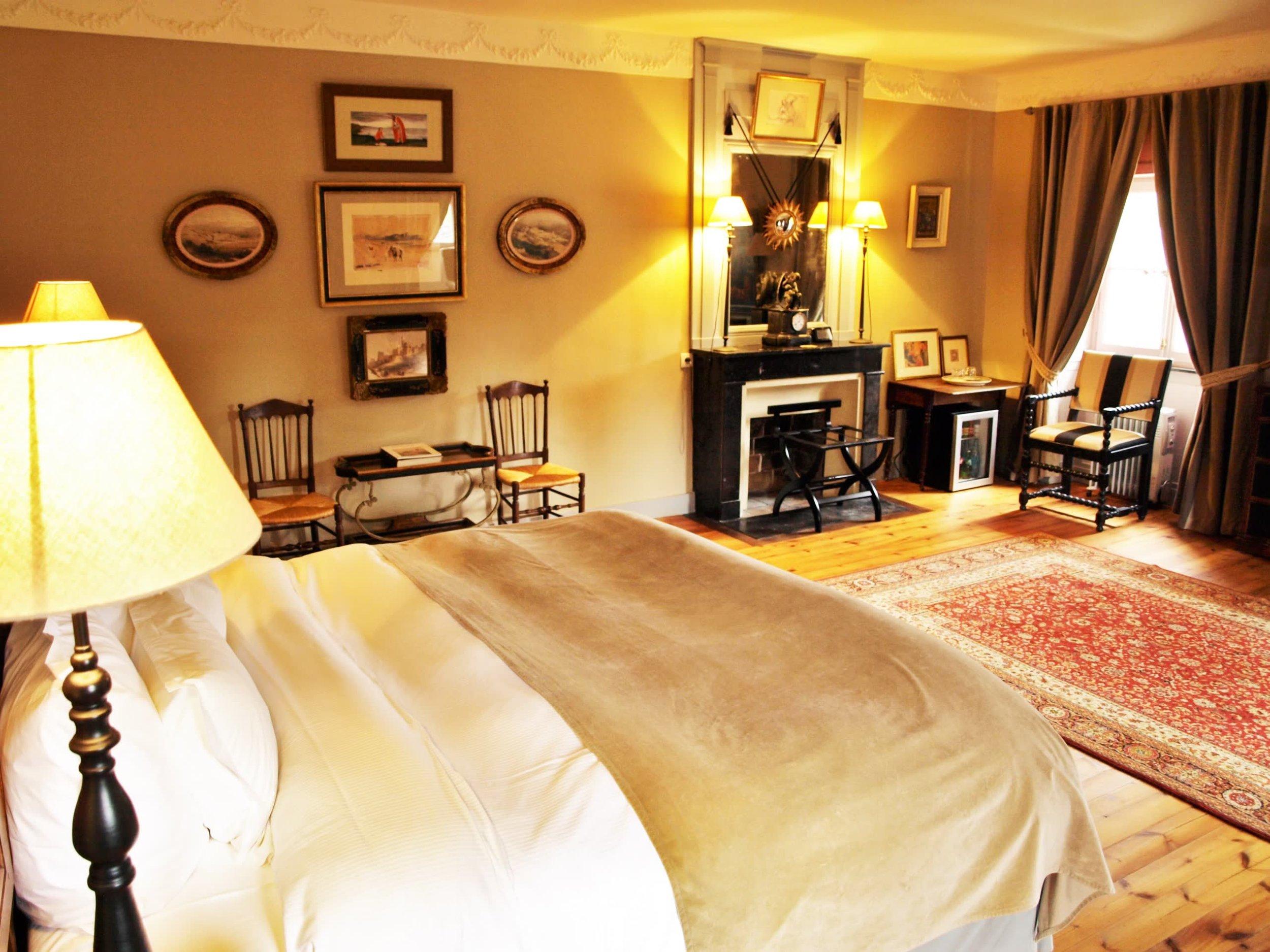 Chateau de la Pommeraye - charming boutique hotel chateau b&b spa normandy calvados bedroom Esquisses 2(2).jpg