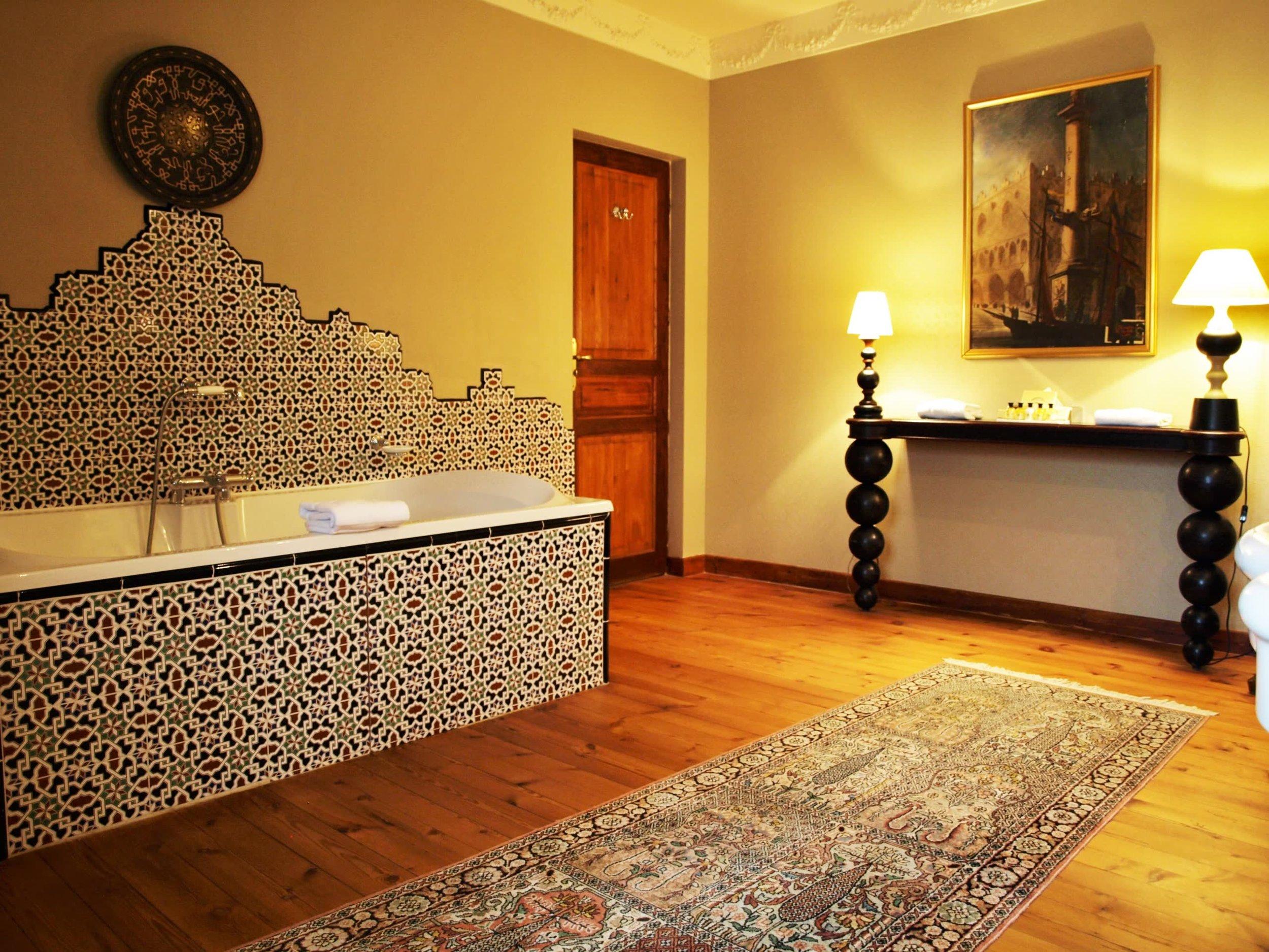 Chateau de la Pommeraye - charming boutique hotel chateau b&b spa normandy calvados bedroom Pensées 6(3).jpg