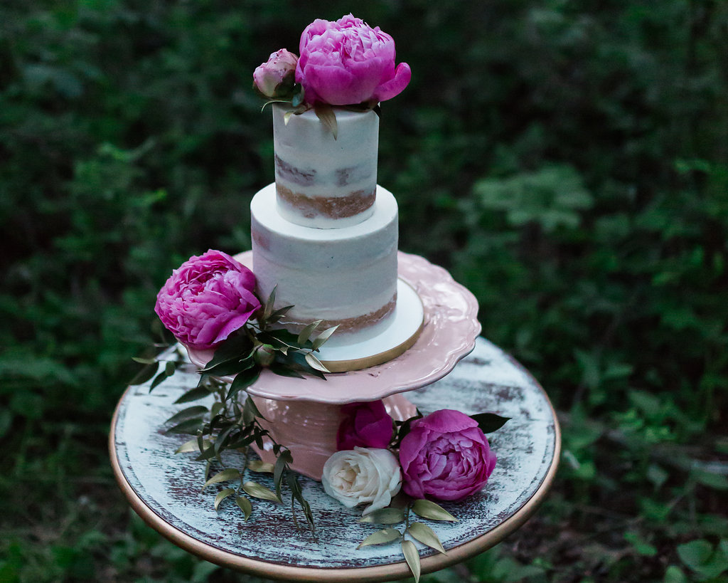 Get the look: floral cake stand