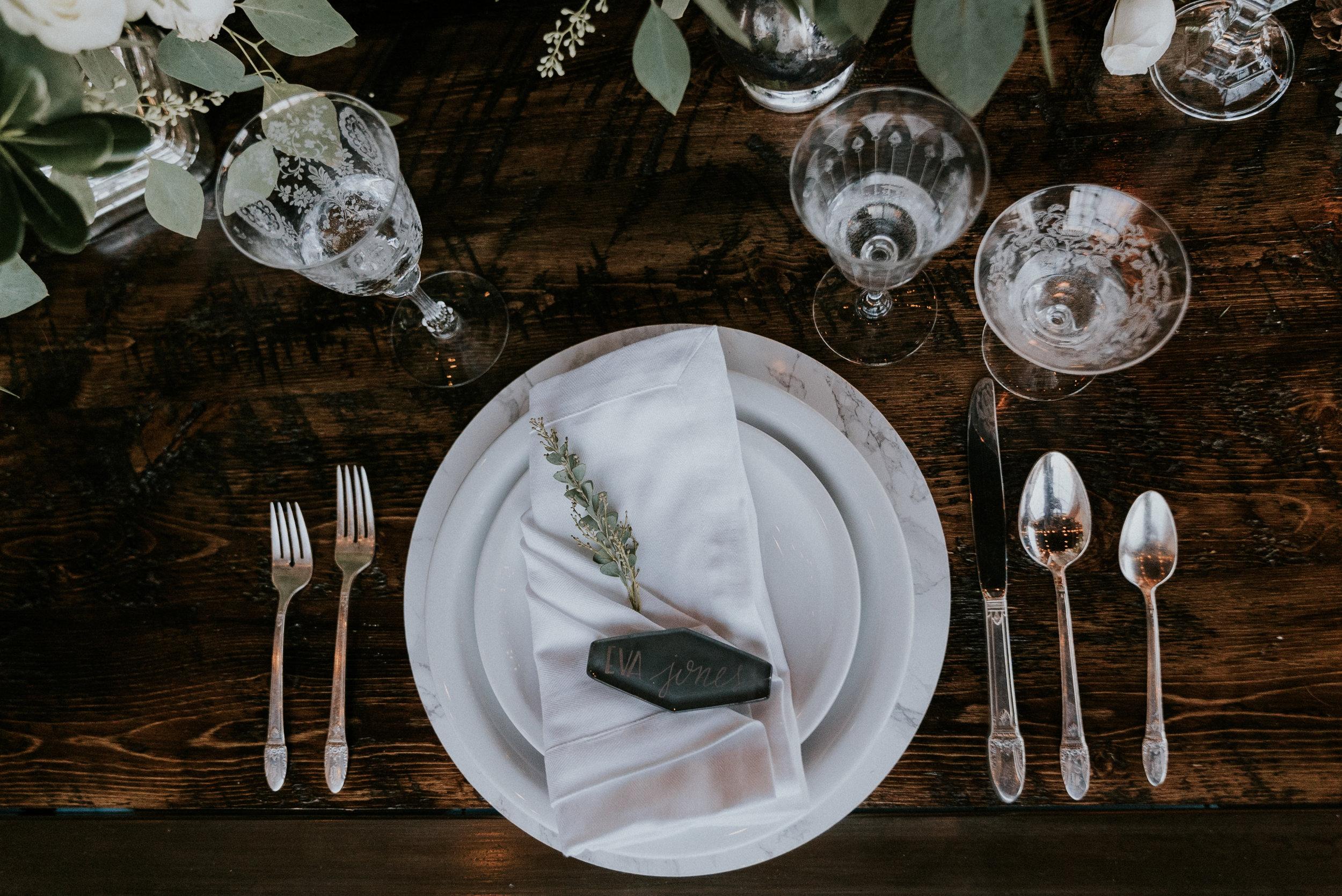 100 Layer Cake: Vintage Modern Winter Wedding Inspiration. Click for more.
