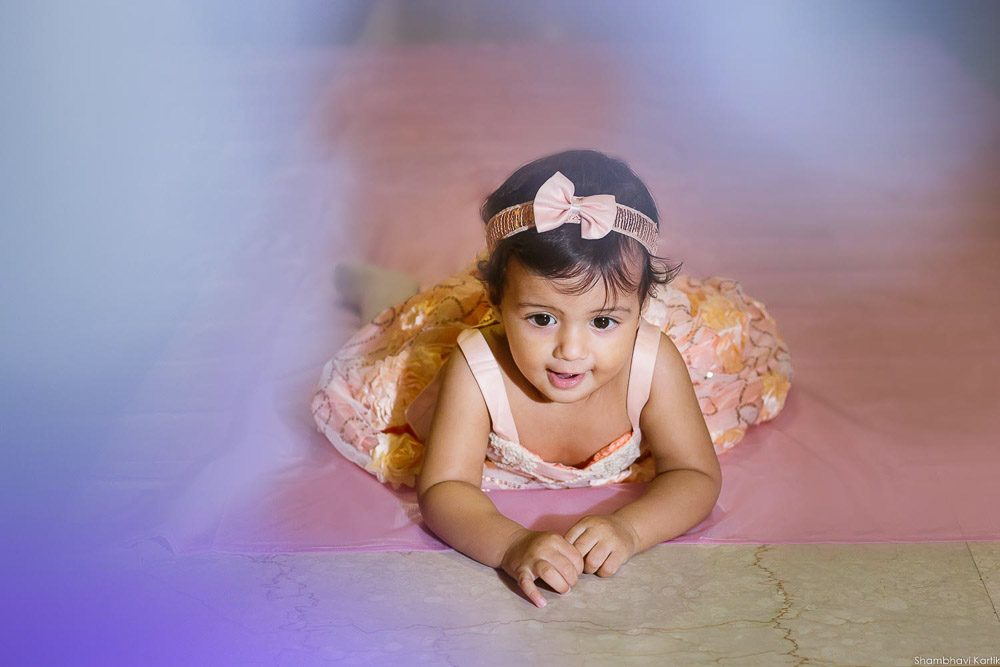 first birthday photoshoot for baby girl