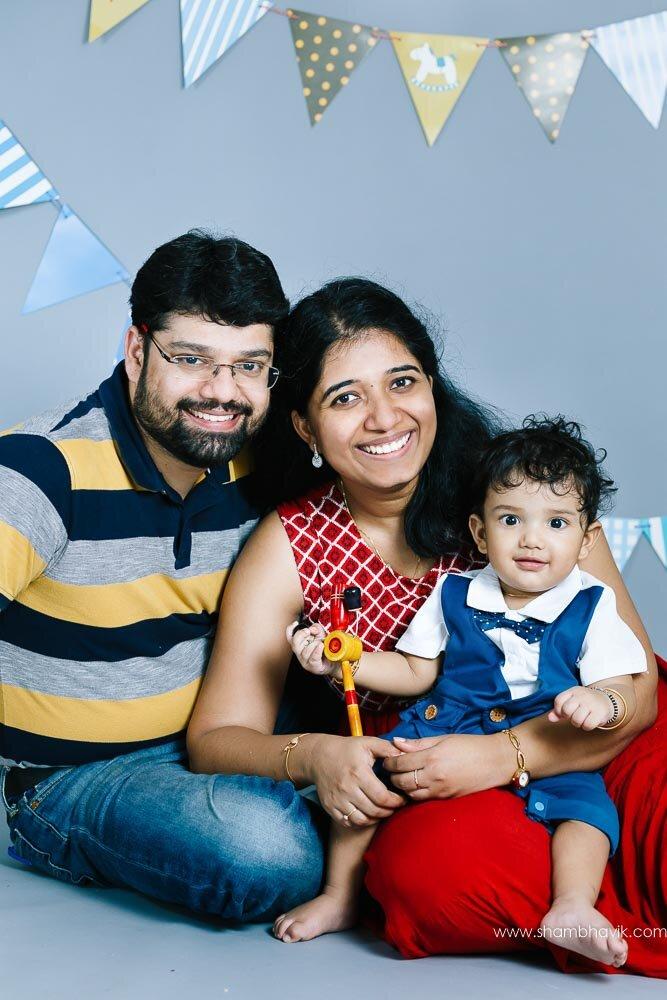 studio_photoshoot_indoor_candid_1_year_old_boy_delhi-22.jpg